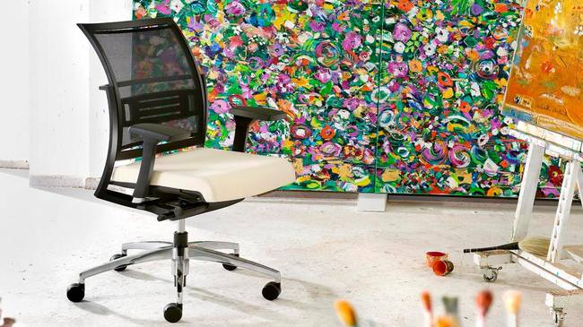 современные технологии для сидения, Крутящиеся офисные кресла и стулья SITAGWORLD MESH